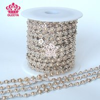 Wholesale New yards roll Rock Punk Gold Spikes Flower Shape Studs Revit Chain Gold Trimming Jewelry Sewing Accessories Bags Y2503