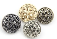 Wholesale buttons Flowers hollow metal buckle button Classic luxury fashion High quality professional and retail