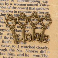 Wholesale 8Pcs Vintage Bronze Antique Charm Skeleton Keys Hot Special Retro Pendant Lock Steampunk Jewelry Decoration