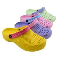 Wholesale Womens Summer Style Models Hole Mules Shoes Garden Mixed Colors Shoes Beach Slippers Breathable Slippers Colors Size