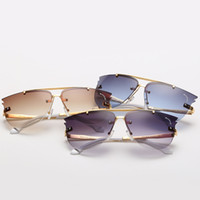 Wholesale Hot sales women s summer fashion sunglasses Designer sunglasses sun glasses Wayfarer sunglasses Beach glasses sunglasses For Women s