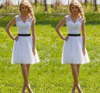 Wholesale Short Bridesmaid Dress White Sweetheart Sleeveless Knee Length Graduation Gown Custom made Ruched A Line Party Dresses Homecoming Gowns