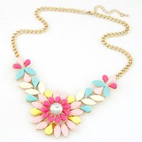 pendant flower rhinestone - Fashion Rhinestone Flower Resin Chunky Statement Necklace Pendant