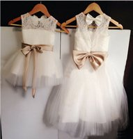 ribbon bow and flowers - 2015 Designer Flower Girls Dresses For Wedding Lace And Tulle Cutely Bow Ribbon First Communion Dress fantasia infantil Baby Party Gowns HC