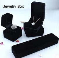 Wholesale High grade velvet jewelry box Can be used generous and aesthetic party and wedding and christmas gifts box