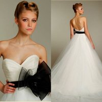 Wholesale Black and White Tulle Skirt Wedding Dresses A Line Sweetheart Ruched Sweep Train Sleeveless Bridal Gown Bow Sash