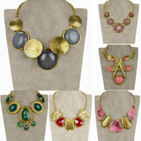 Wholesale Statement Collar Necklace Gold Plated Vintage Rhinestone Carved Snakeskin Chain Choker Necklace Pendant