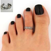 2015 Playa Nuevo anillo de dedo tallado flor ajustable apertura del anillo del dedo Mujeres Niñas antiguo color de la plata de la joyería del partido manera barata En Stock