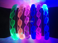 Wholesale New Thread Style Flash Light LED Bracelet Acrylic Bangles Fluorescent Bracelets For Party Bar Concert