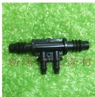 Wholesale 8MM reduced four through MM to MM adapter four through connector micro spray irrigation equipment capillary joint