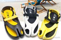 Wholesale Fashion Men s women Summer British Anti Slip Sandals Beach Slippers unisex Breathable hollow Ankle Strap Flip Flops Shoes drop shipping
