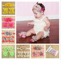 al por mayor adornos de perlas-Recién nacido Pearl Chiffon headbands Bebé Niñas Barefoot Calcetines Sandalias y banda Set Zapatos Niños Tulle Foot Adornos Child Infant Flower Socks