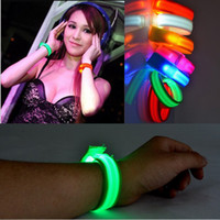 Wholesale LED Outdoor Sports Flashing Arm Band Wrist Strap Armband Light For Outdoor Sports Safety Activity Party Club Cheer Nylon Band Night Light