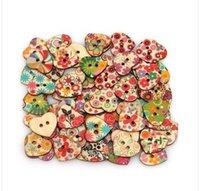 achat en gros de trous bois-100pcs / sac multicolore en forme de coeur 2 trous Bois coudre Boutons Scrapbooking Knopf Bouton Bois à coudre Boutons livraison gratuite