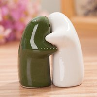 ceramic base - Cute Set Ceramic Castor Lover Shape Black And White Salt And Pepper Shaker With Base Cruet Cooking Tools dandys