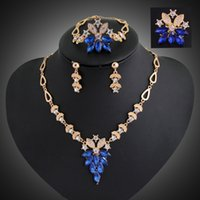 Wholesale 18K gold alloy European high end retro crystal necklace chain is mainly suitable for white collar women