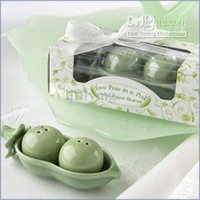 Wholesale New wedding gift Two Peas in a Pod Wedding Favors for Ceramic Salt Pepper Shakers