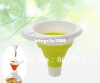 Wholesale Creative home Kitchen Gadgets mini scalable funnel oil leakage piece Xmas gift