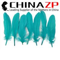 al por mayor piezas centrales de pavo real-El abastecedor principal CHINAZP fabrica la fábrica 10 ~ 15cm (4 ~ 6inch) longitud natural azul colorido del pavo real del ganso Plumas centrales flojas de la pluma