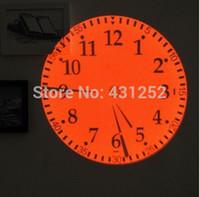 Precio de Grandes relojes de pared azul-Gran proyección LED digitales reloj de pared relojes proyector azul amarillo verde rojo con luces brillantes árabe romana no para la decoración del hogar