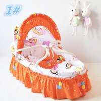 Wholesale Baby Cradle Portable Baby Lounge Baby Care Product Handmade Corn Bran Woven Bassinet Lovely Baby Baskets With Skirt