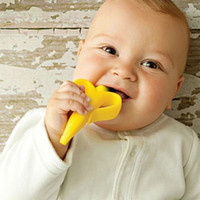 Wholesale Silicon Banana Bendable Baby Teether Training Toothbrush Safe Babies Toddler Infant Teething Ring Toothbrush M LY