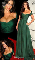 Wholesale Emerald Green Off Shoulder Prom Dresses New Red Carpet Celebrity Dress Draped Cheap Fashion Long Evening Gowns Vestido De Fiesta