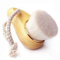 Wholesale Ultra Soft and Flexible Facial Brush Gentle Exfoliate Cleaning Brush Deeply Clean Pores Wooden Handle Mask Brush