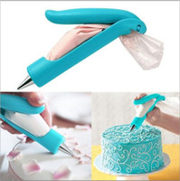 baking tips - New Brand Bake Tool Pastry Icing Piping Bag Nozzle Tips Fondant Cake SugarCraft Decorating Pen Cooking Tools Dessert Decorators