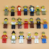 Figuras de la gente modelo España-Random T Minifigures 20 Pcs Diferentes hombres de dibujos animados Modelos de personas Bloques de construcción juguetes educativos DIY ladrillos juguetes
