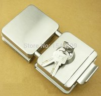 Wholesale Double glass door lock with keys one key hole and turning knob glass clamp lock gate lock gate latch