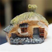 Wholesale 1Pcs Micro world Resin Handmade Thatched Cottage House Garden Landscape Moss Ornament Pot Bonsai Decoration
