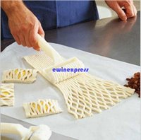 bakery cutters - New hot Plastic Bakery Bread Cookie Pie Pizza Pastry Lattice Roller Mold Cutter Kitchen Baking Tools