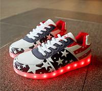 Wholesale Z joyee Unisex Women Men USB Charging LED Sport Shoes Flashing Fashion Sneakers Men Size