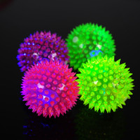 Wholesale 2pcs pack Elastic LED Light up Spike Ball Pet Dog Cat Molar Rubber Flash Ball Entertained Toy Pet Products H15721