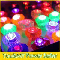 Grand Diamond Ring Finger Luminous Anneaux LED Emitting Produits LED Clignotant Anneau Party Disco lumières de Noël Halloween Fête des Lumières