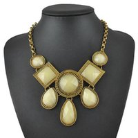 artificial teardrops - New Vintage Brand Artificial Gemstone Necklace Jewelry For Women Gold Plated Alloy Chain Imitation Gem Teardrop Choker Necklaces N0234