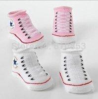 1Pairs au détail Le bébé unisexe mignon d'enfants de bébé d'enfants d'en bas de chaussures court de short de garçon de fille d'enfant en bas âge 6-24 mois conceptions de chaussures de chaussette de bébé Lc855