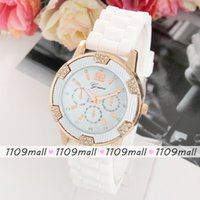 Wholesale 100pcs Fashion Geneva crystal Rhinestone classic Round Dial silicone caslual wristwatch lady dress Wrist watch quartz analog watches