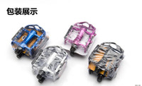 Wholesale Multi color Mountain Road Bicycle Pedals with Yellow flishlight Reflector Flat Aluminum Alloy Pedals