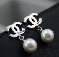 Wholesale FahionableSouth Korean high end jewelry classic shell pearl earrings hypoallergenic earrings exquisite high end models of quality