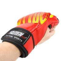 Wholesale 3 Colors Muay Thai MMA Half Finger Boxing Gloves PU Leather Training Gloves Professional Sandbag Punching Sparring Sanda Mitts Y0009