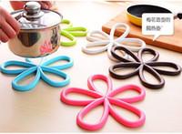 Wholesale 5 Color Plum shape Silicone hot mat Creative fashion quality Anti slip table PVC pot pad Coasters Bowl pad Disc pad