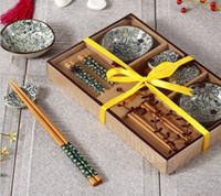 achat en gros de boîte japonaise antique-Assiette de sushi japonaise en céramique antique pour 2 avec les restes de baguette dans la boîte de cadeau
