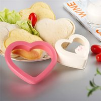 Wholesale New home decor Sandwich Maker Bread Mould Cutter Heart Shaped pink cute Kitchen cooking tools