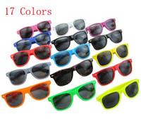 Cheap New Hot classic style sunglasses women and men modern beach sunglasses 17 Colors