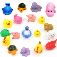 Wholesale MINI Cartoon Animals Rubber Dolls Baby Bathing Water Toys Press Sounds Kids Swiming Beach Gifts Sand Play Water Fun Children Toys