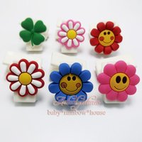 best selling gift books - 1PCS Small Flowers Hot selling PVC paper clips bookmarks office Filing supplies school suppies bookholder book clips kid best gifts