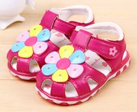 Wholesale new children s summer sandals for girls with flashing shoes baby shoes Korean version of the flowers