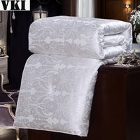Cheap Wholesale-Wholesale highquality white discount bedspreads luxury satin faux fur comforter silk quilt king comforter queen full single size